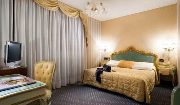 2017 10 12 17 32 03 Hotel Carlton On The Grand Canal Venedig   TravelBird