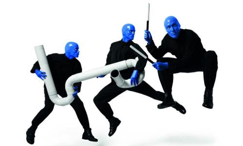 BLUE MAN GROUP in Berlin u Hoteluebernachtung