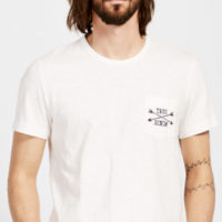 MUSTANG Slub Yarn Shirt mit bestickter Brusttasche