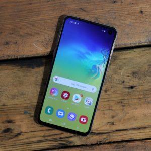 Bis zu 251€ Ersparnis 😲📱 Samsung Galaxy S10e + Zugaben + 4GB LTE Allnet-Flat