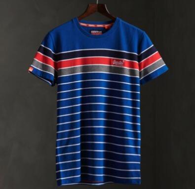 Superdry Herren Breton Stack T Shirt Aus Bio Baumwolle Aus Der Orange Label Koll