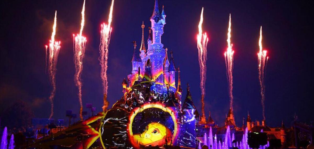Disneys Magical Fireworks  Bonfire in Disneyland Paris