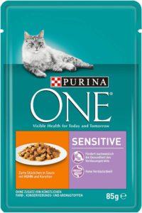 Hohe Futterverträglichkeit: Purina ONE Sensitive ist dank qualitativ hochwertiger und hoch verdaulicher Zutaten die richtige Nahrung für Katzen mit einer Futtermittelunverträglichkeit, einem empfindlichen Verdauungssystem oder wählerischem Geschmack – ganz ohne Zusatz künstlicher Farb-, Konservierungs- und Aromastoffe;