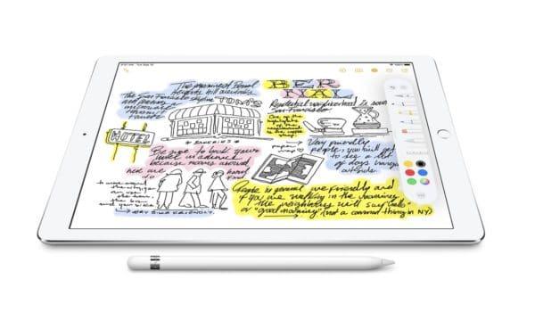 Der Apple pencil hat die Präzision, Reaktionsfähigkeit und den natürlichen Fluss eines analogen schreibgeräts, ist aber so vielseitig, dass er viel mehr sein kann. Mit dem Apple pencil kannst du dein iPad in einen Notizblock verwandeln oder in eine Leinwand, oder was dir sonst noch einfällt. Kompatibel mit 9, 7