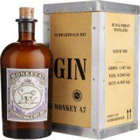 Monkey 47 in der Holzkiste 0, 5 Liter mit 47, 0 Prozent Vol. Das Herkunftsland der Marke Black Forrest Distillers ist Deutschland.