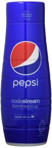 ORIGINAL TASTE: Original Pepsi mit selbst gesprudeltem oder Mineralwasser kinderleicht zu mischen - immer frisch genießen NIE MEHR SCHLEPPEN: 1 Flasche Sirup ergibt bis zu 9 Liter Fertiggetränk - Kein Flaschenpfand - kein Leergut - weniger Plastikmüll! (1 Flasche Sirup ersetzt bis zu 9 Pfandflaschen) EINFACHE DOSIERUNG: 1 Teil Sirup + 19 Teile Wasser im Glas oder in der Flasche mischen Praktische Dosierkappe mit Linien für 0,5 L und 1 L Getränk EINFACH SPRUDELN - FRISCH GENIESSEN: Geniessen Sie Ihr Lieblingsgetränk immer frisch und selbst gesprudelt ! LIEFERUMFANG: 1x SodaStream Getränkesirup Pepsi Cola 4