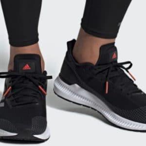 adidas Outlet 🎉👍 + 20% Gutschein, z.B. die Solarblaze Sneaker