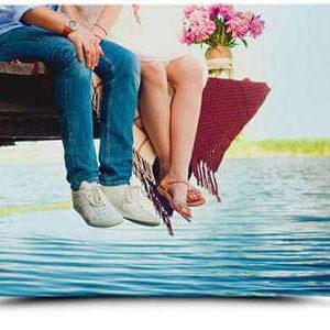 Durch die speziell für Fotoleinwände verwendete HP-Latex-Tinte wirken deine Motive lebendig und gestochen scharf. Die Tinte ist lösemittelfrei und stößt keine giftigen Dämpfe oder Gerüche aus - ist somit für Kinder und Allergiker geeignet. Gleichzeitig bleibt sie dank UV-Resistenz langhaltend farbecht.