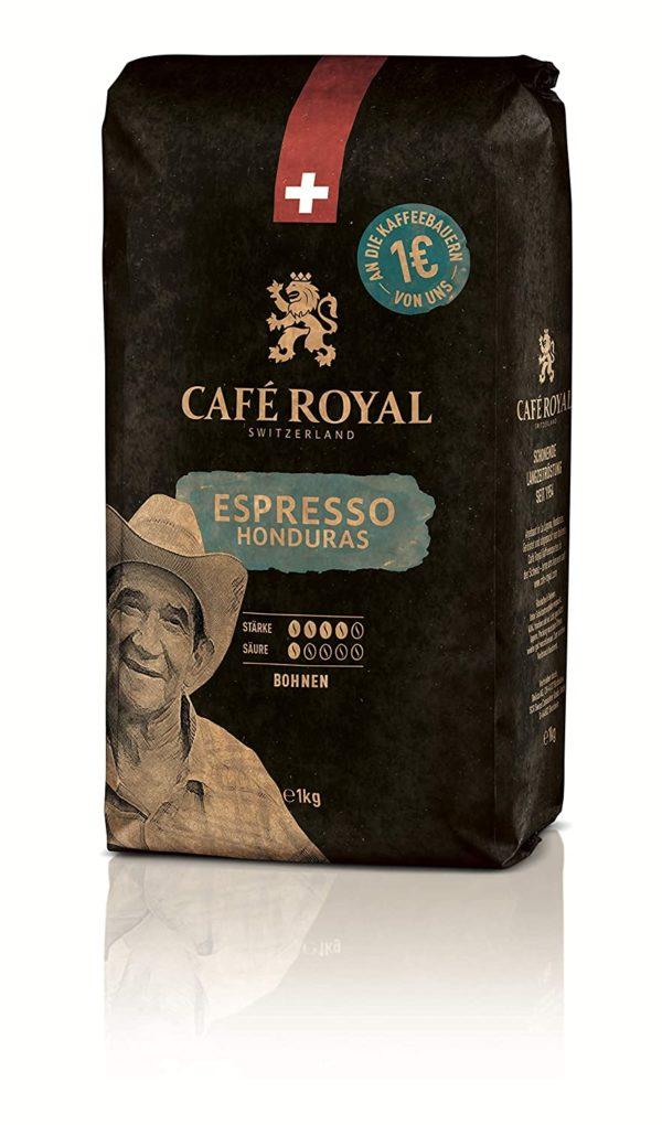 Café Royal Honduras Espresso: rassiger Espresso mit intensiv, würzigen Lakritz- und Haselnussaromen und einer dichten, haselnussbraunen Crema. Edle Mischung aus hochwertigen Arabicabohnen. Umweltfreundlich: Dieser Bohnenkaffee ist 100% Arabica aus Honduras, handverlesen und UTZ-zertifiziert. Wir setzten uns für eine verantwortungsbewusste, umweltfreundliche Kaffeeproduktion ein. Dein Kaffee im Detail: Röstkaffee in ganzen Bohnen - Verpackung 1 kg- Intensität 4 von 5 - säure 1 von 5 - DUNKLE Röstung Kompatibilität: perfekt für Vollautomaten mit integriertem Mahlwerk, espresso-kolbenmaschinen und klassischen Filteraufguss. Schweizer Premiumkaffee: Unsere Leidenschaft sind hochwertige Kaffeeprodukte. Wir beschaffen, veredeln und verpacken Kaffee seit 1954.