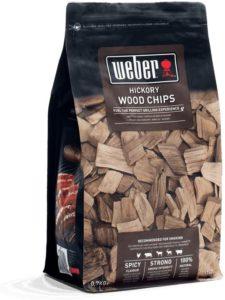 original Weber Räucherchips für feines Grillaroma in sieben Geschmacksrichtungen: Pecannussholz, Apfelholz, Kirschholz, Hickory, Mesquite, Buche und Whiskey.
