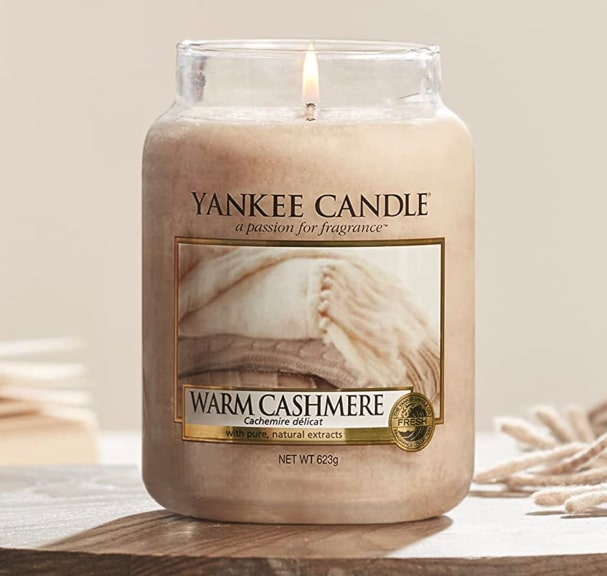 Amazon.de Yankee Candle Duftkerze im Glas gross  Warm Cashmere  Brenndauer bis zu 150 Stunden 2021 10 13 20 06 12