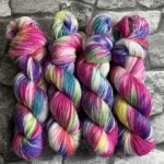 20% auf handgefärbte Wolle bei Wolldackel.com